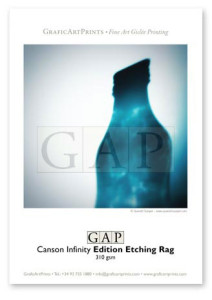 Muestra papel Canson Infinity Edition Etching Rag impresa en giclée por GraficArtPrints. © Queralt Sunyer